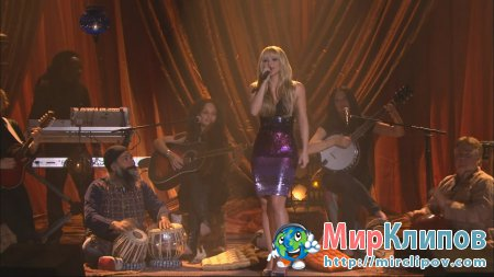 Shakira - Gypsy (Live, 23.12.09)