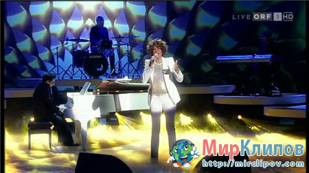 Whitney Houston - I Look To You (Live, Wetten Dass, 2009)