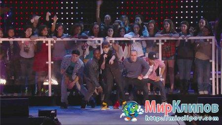 Justin Bieber – Baby (Live, Pepsi Super Bowl Fan Jam, 2010)