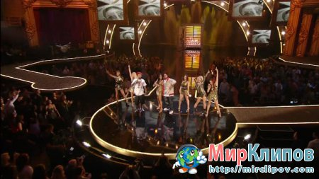 Pharrell Williams Feat. Ludacris - Money Maker (Live, VMA, 2006)