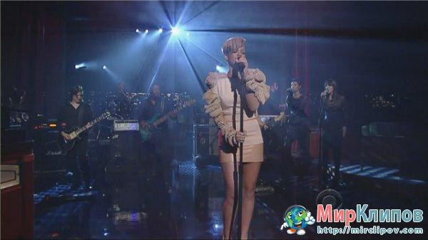Live Rihanna Rihanna Russian Roulette 59