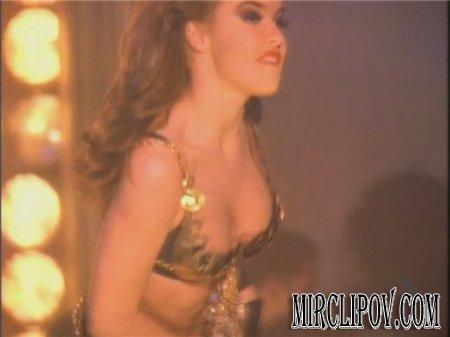 Carmen Electra - Go Go Dancer