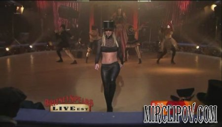 Britney Spears - Circus & Womanizer (Live)