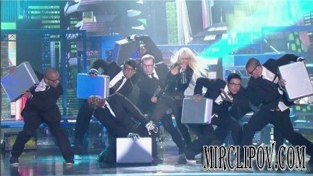 Christina Aguilera - Keeps Gettin Better ( Live, WMA, 08 )