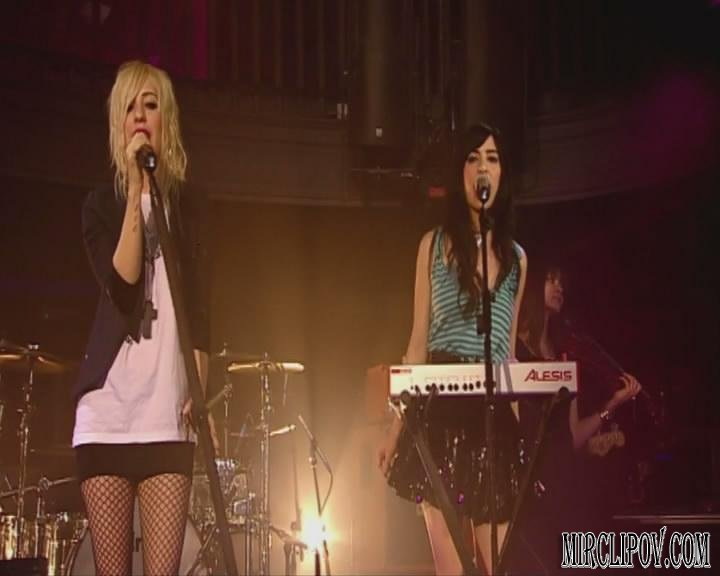 The Veronicas - Untouched (Live, Freshly Squeezed, 26.05.09)