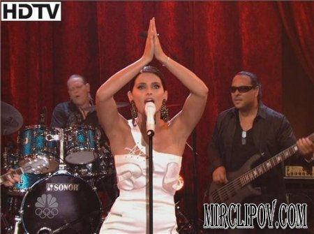 Nelly Furtado - Manos Al Aire (Live, Tonight Show, 2009)
