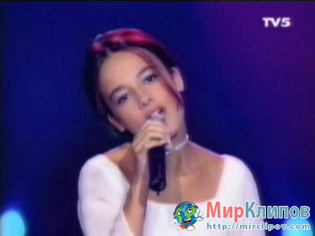 Alizee - Parler Tout Bas (Live)