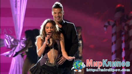 Ricky Martin - Drop It On Me (Live, Victoria's Secret Fashion Show, 2005)