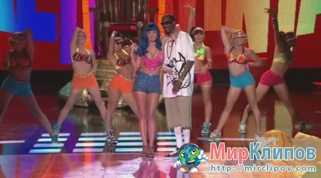 Katy Perry Feat. Snoop Dogg - California Gurls (Live, MMA, 2010)