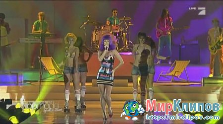 Katy Perry - California Gurls (Live, Germanys Next Top Model 10.06.10)