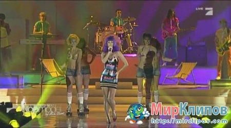 Katy Perry - California Gurls (Live, Germanys Next Top Model 10.06.10)