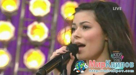 Miranda Cosgrove - Kissing U (Live, KCA, 2010)