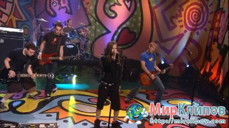 Avril Lavigne - Scater Boy (Live, Tonight Show With Jay Leno)