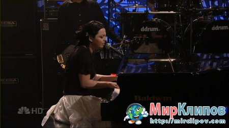 Evanescence - Lithium (Live, Tonight Show With Jay Leno)