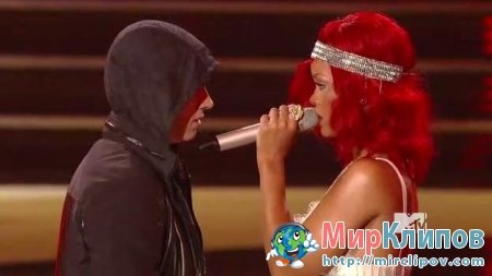 Eminem Feat. Rihanna - Not Afraid & Love The Way You Lie (Live, MTV VMA, 2010)