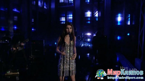 Selena Gomez - A Year Without Rain (Live, Lopez Tonight)