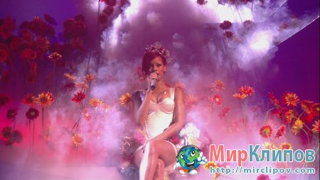 Rihanna - Only Girl (In The World) (Live, MTV EMA, 07.11.2010)