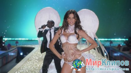 Akon - Angel (Live, Victoria's Secret Fashion Show, 2010)