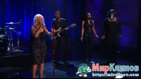 Christina Aguilera - Something's Got Hold On Me (show Conan O´Brien 2010)