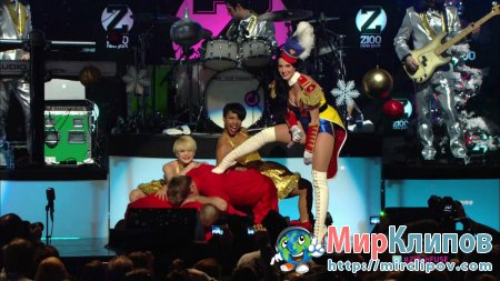 Katy Perry - E.T. (Live, Jingle Ball, 2010)