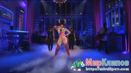 Nicki Minaj - Moment 4 Life (Live, SNL)