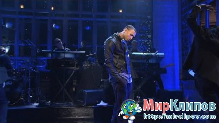 Chris Brown - Yeah 3x (Live, SNL)