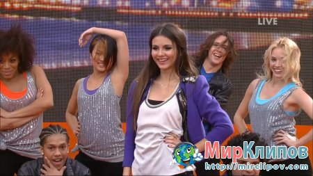 Victoria Justice - Beggin On Your Knees (Live, Kids Choice Awards, 02.04.2011)