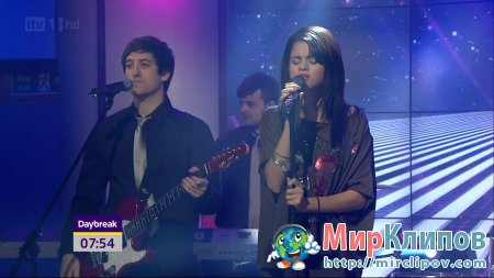 Selena Gomez - Love You Like A Love Song (Live, Daybreak, 08.07.2011)