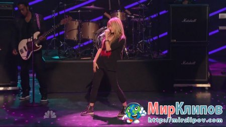 Avril Lavigne - What The Hell & Smile (Live, America's Got Talent, 2011)