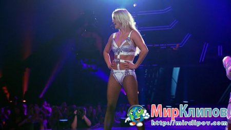 Britney Spears - 3 (Live, The Femme Fatale Tour)