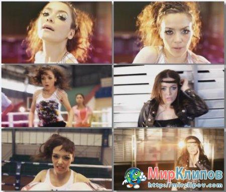 Alexandra Bounxouei - My Radio