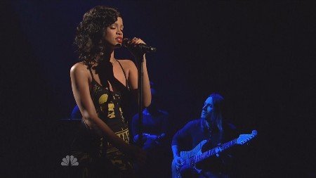 Rihanna - Stay (Live, Saturday Night Live, 10.11.2012)