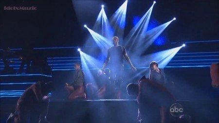 Usher - Medley (Live, AMA, 2012)