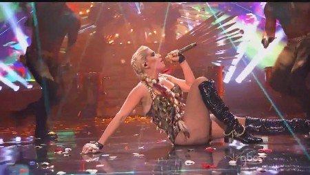 Kesha - Die Young (Live, AMA, 2012)