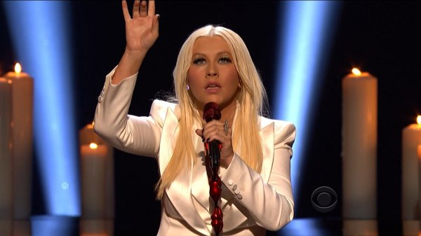 Christina Aguilera - Blank Page (Live, People's Choice Awards, 09.01.2013)