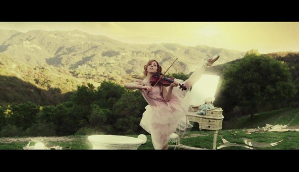 Lindsey Stirling Featuring Lzzy Hale - Shatter Me