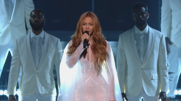 Beyonce - Take My Hand. Precious Lord (Live GRAMMYs 2015)