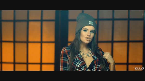 Black Fox feat. DJ Chris Parker - Controlled