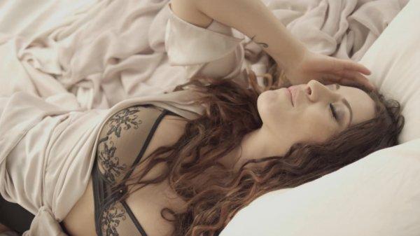 Nicoleta Nuca - Nu sunt (Official Video)