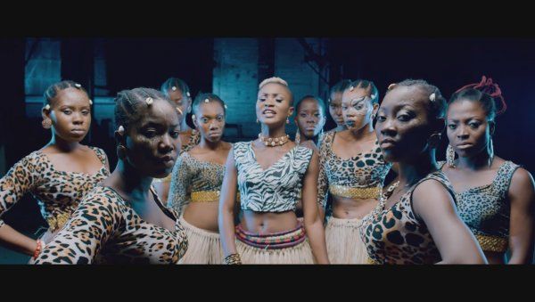 Eva Alordiah ft. Sir Dauda - War Coming