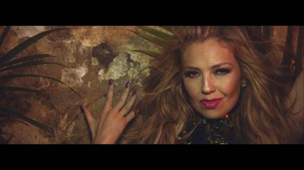 Thalia ft. Becky G - Como Tu No Hay Dos