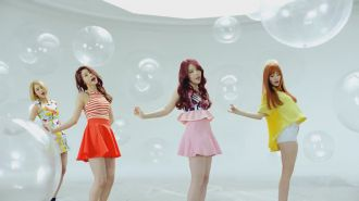 Girl's Day - Hello Bubble