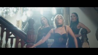 Samantha Jade ft. Pitbull - Shake That
