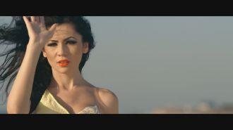 Sorina Ceugea feat. Danezu - Sunt la fel