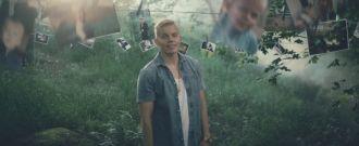 Elastinen feat. Robin - Vahva