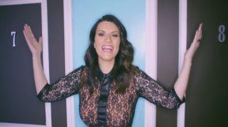 Laura Pausini - En La Puerta De Al Lado