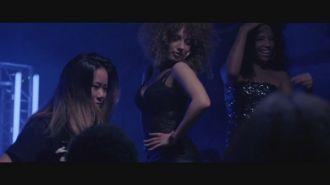 SFB ft. Broederliefde & Ronnie Flex - Nu Sta Je Hier