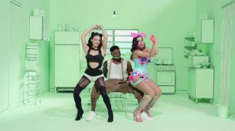 Anitta ft Jhama - Essa Mina E Louca