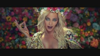 Coldplay & Beyonce - Hymn For The Weekend
