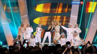 Юлиана Караулова, Ева Тимуш— Ты не такой (Live, Рождественская Песенка года 2015)